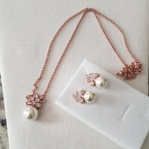 Pearls earrings and necklace